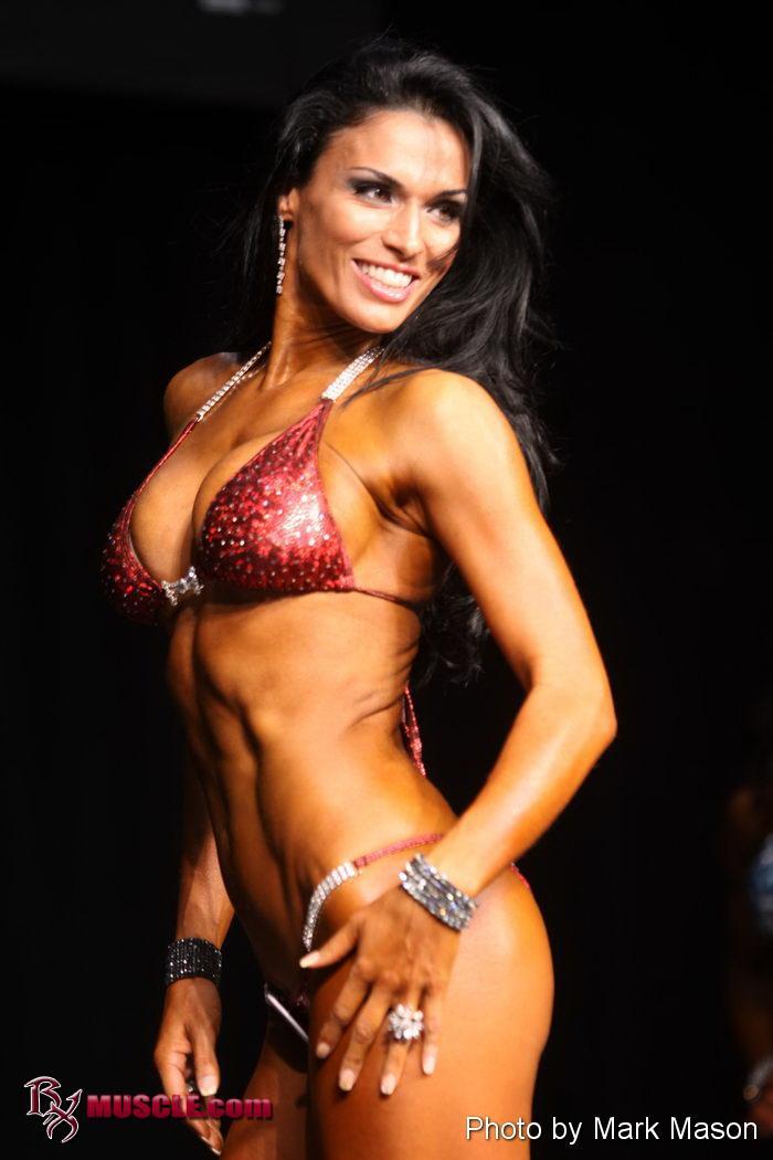 Pro bodybuilder nathalie falk in the gym - 1 part 5