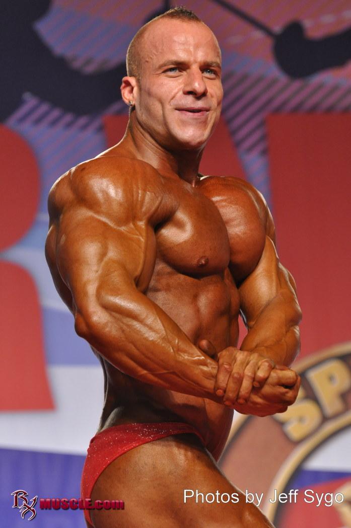 Angel   Higueras - IFBB Arnold Amateur 2011 - #1