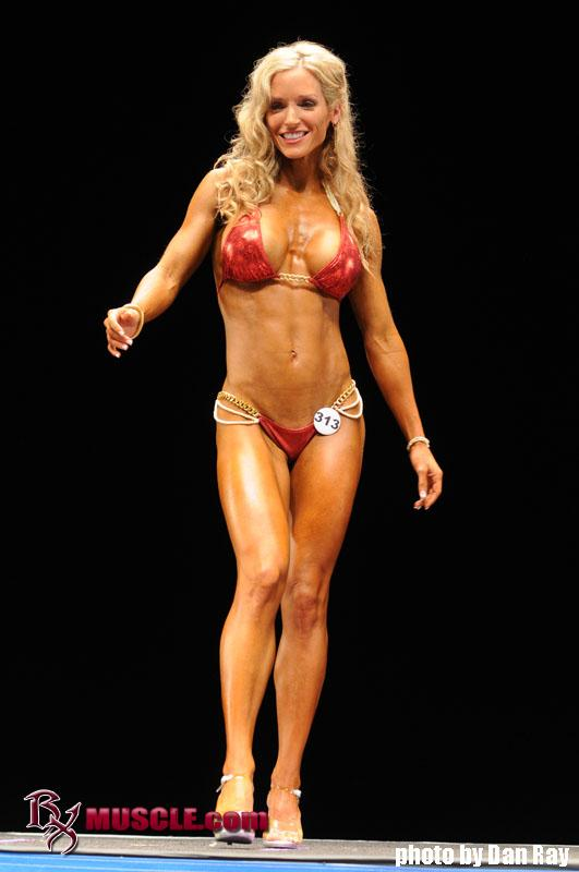 Michelle Hanson - NPC Nationals 2011 -  1Summer Michelle Hansen