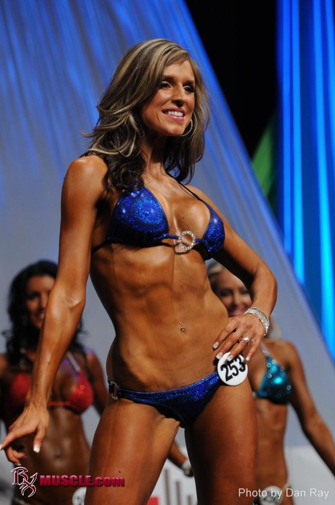Caitlyn Bellamy - IFBB Arnold Amateur 2012 - #1