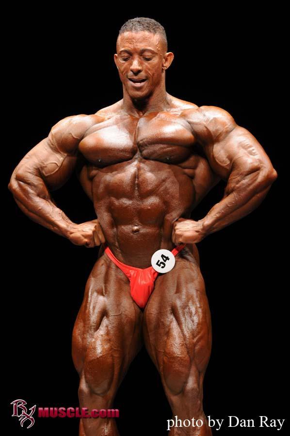 Troy  Alves - IFBB Phoenix Pro 2010 - #1